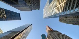 Canada's Big Banks Are Sacrificing Our Climate For Profits, Below2C